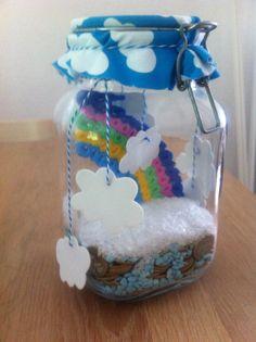 Geldgeschenk für Hochzeit mit Regenbogen aus Bügelperlen und Wolken aus Moosgummi