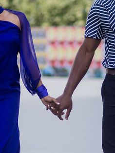 Healthy, Long-Lasting Relationships All Share These 3 Things (Says a Therapist)