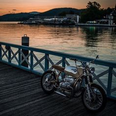 Such a beautiful shot of the @nctmotorcycles #R100RS by @pege78. Found via @bikeprninc. #BMW #r100 #tracker