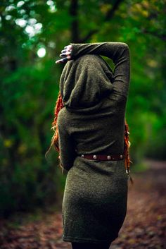 Dreadlocks Girl, Festival Makeup Glitter, Larp Armor, Tauriel, Fantasy Girl, How To Look Pretty, Aghori Shiva, What To Wear, Cool Outfits