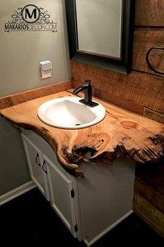 Looking for an elegant yet unique rustic style for your bathroom vanity? Take a look at these creative and popular ideas for rustic bathroom vanities. Reclaimed Wood Bathroom Vanity, Rustic Bathroom Vanities, Rustic Bathrooms, Modern Bathroom, Small Bathroom, Vanity Bathroom, Beautiful Bathrooms, Bathroom Ideas, Downstairs Bathroom