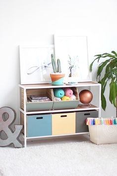» MY DIY | Color Block Shelves & Trip to HGTV Smart Home