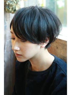 "【+~ing deux】透け感×スタンダードショート【三橋歩】"" I have no idea what this chick just said. Short Hairstyles For Women, Pretty Hairstyles, Hair Inspo, Hair Inspiration, Shot Hair Styles, Very Short Hair, Dull Hair, Hair Photo, Love Hair"
