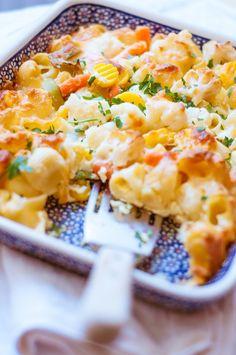 Zapiekanka makaronowa z warzywami Macaroni And Cheese, Hamburger, Favorite Recipes, Snacks, Ethnic Recipes, Food, Mac And Cheese, Appetizers, Essen
