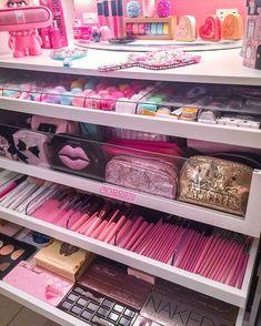 Makeup organization diy vanity make up 31 Ideas Makeup Room Decor, Makeup Rooms, Makeup Studio Decor, Makeup Beauty Room, Diy Beauty, Rangement Makeup, Make Up Storage, Storage Ideas, Cute Room Decor