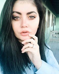 Vou no salão daqui a pouquinho, mas percebi que estou cheia de fotos com o meu cabelo atual. Vocês me perdoam se nos próximos dias meu feed ficar uma bagunça? 😂 #beleza #belezanatural #dicasdebeleza #belezafeminina #belezasnaturais #belezamundiall #belezasdobrasil #blogdebeleza #dicadebeleza #belezas #belezabrasileira #tornesuabelezaincomparavel #belezapura #belezacessivel #belezacompartilhada #modaebeleza #producaodebeleza #blogdedebeleza #viladasbelezas #cedciadabeleza #belezapvt365…