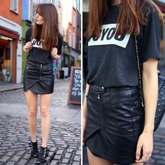 Edma Voyou Tshirt, Guess? Leather Skirt, Office Boots