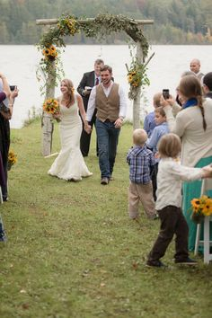 Rustic Lake Leelanau Wedding by Dan and Melissa Photography | Two Bright Lights :: Blog