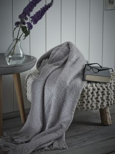 """NEW Oyster Woven Throw - NEW """"off lilac"""""""