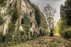 Decayed Mansion | Flickr - Photo Sharing!