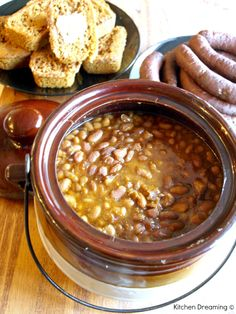 Traditional Boston Baked Beans are a popular in New England with roots that go back to the days of the Native Americans, Pilgrims and Plymouth rock. Baked Bean Recipes, Crockpot Recipes, Cooking Recipes, Beans Recipes, Cooking Ideas, Casserole Recipes, Yummy Recipes, Recipies, Dinner Recipes