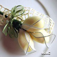 Pretty almond flower confetti
