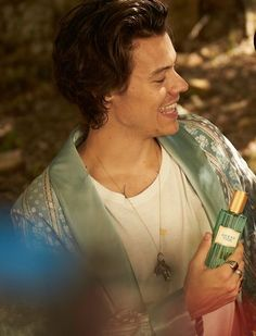 Gucci Mémoire d'une Odeur Fragrance Film Starring Harry Styles Harry Styles Baby, Harry Edward Styles, This Man, One Direction, Harry Green, Mint Green Aesthetic, Gucci, Harry Styles Wallpaper, Harry Styles Pictures