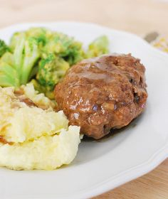 Crockpot Salisbury Steak - easy weeknight meal!