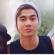 HERE IS ANOTHER PICTURE WITH CALUMS HAIR!!!