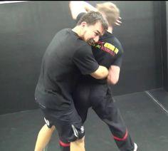 http://wtkungfu.cz -  při tréninku Wing Tsun v Hong Kongu s naším sifu Chrisem Collinsem, volný boj...