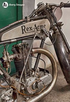 Antique Motorcycles, Concept Motorcycles, American Motorcycles, Triumph Motorcycles, Cars And Motorcycles, Custom Motorcycles, Motos Vintage, Vintage Cycles, Vintage Bikes