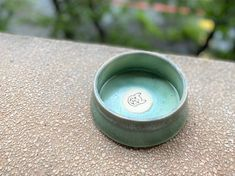 Woof! Woof!! ChillPlanet doggy bowl is now on line for sale, all of them are hand-made by QinChen-design. Neverspill cermic bowl is handcrafted and carefully designed for your lovely dog.