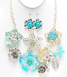 Beach themed necklace set. Love this for vacation! So tropical looking...