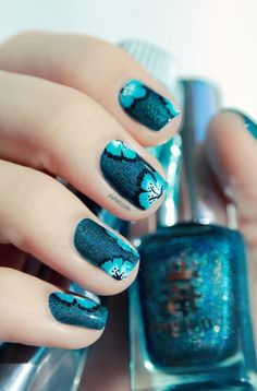 What Fall Nail Art Designs should you opt for to get a fall-perfect look? Well, check out the options here for some Beautiful Fall Nail Designs and Ideas. Fancy Nails, Diy Nails, Cute Nails, Fall Nail Art Designs, Floral Designs, Simple Designs, Nagellack Trends, Blue Nail, Teal Nail Art