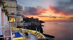 Bellevue Syrene Sorrento Offering panoramic views across the Gulf of Naples, Bellevue Syrene is an elegant choice for your stay in Sorrento. It offers an outdoor swimming pool and free Wi-Fi throughout.