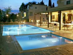 Zeis Edo Luxury Apartments Asini, Tolon Situated in Tolón, Zeis Edo Luxury Apartments features free WiFi, a garden and outdoor pool. Beach of Tolo is 2 km from the property. Free private parking is available on site.  All units are air conditioned and include a flat-screen TV.