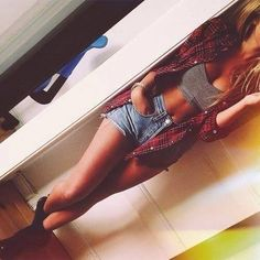 Spring / Summer Outfit - Flannel - Crop Top - Shorts - Boots