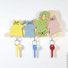 Buy or order Wall housekeeper 'Little colored males' in online shops on My Livemaster. These four multi-colored cat will not leave anyone indifferent! Now, this housekeeper is in a small format of 3 sets of keys. Made of natural wood according to author's sketches. This designer key holder is not only original piece of furniture, but also a convenient place to store keys. The builders right now will not forget it at home.