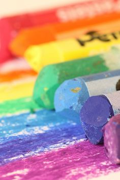 Crayon Rainbow | Armadillo & Co: www.armadillo-co.com