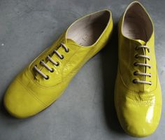 happiness for your feet ! #derbies #fluo #neon
