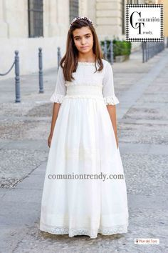 Pilar del Toro trajes de comunión para niñas 2016 | COMUNIÓN TRENDY :: Mil ideas para organizar una Primera Comunión :: Vestidos de comunión, Recordatorios, Trajes de Comunión