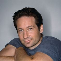 Fox Mulder from the X Files David And Gillian, Attracted To Someone, Dana Scully, David Duchovny, Hot Actors, Famous Men, Celebs, Celebrities, Angels