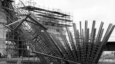Opera House in Sidney, 1964 Gaudi, Architecture Organique, Jorn Utzon, Famous Buildings, Organic Architecture, Concert Hall, Under Construction, Evolution, Opera House