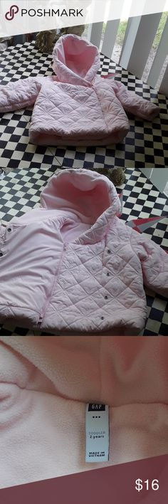 GAP winter jacket sz 2 T New without tags, winter never arrived in Florida 😍. Its real warm jacket, no flaws. GAP Jackets & Coats