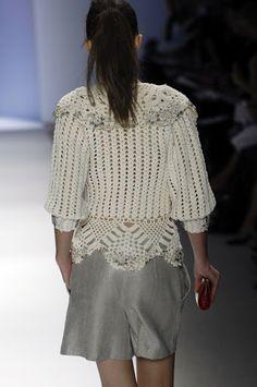 Crochet top  http://outstandingcrochet.blogspot.com/search/label/Crochet%20top#