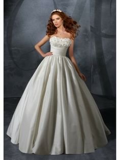 Taffeta Strapless Sweetheart Ball Gown Wedding Dress