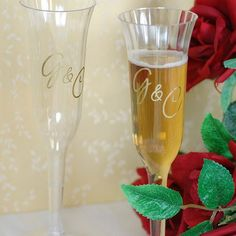 Personalized Plastic Champagne Flutes by Beau-coup  #DBBRIDALSTYLE