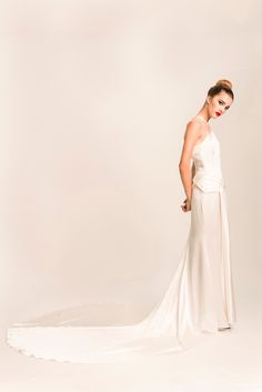 Adelais London offer a small collection of vintage Hollywood glamour inspired bridal fashion for the modern bride.