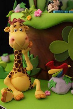 Andrea's Sweetcakes, jungle cake giraffe close up. Fondant Giraffe, Giraffe Cakes, Fondant Animals, Fondant Toppers, Fondant Cakes, Cupcake Cakes, Cupcake Toppers, Cupcakes, Jungle Safari Cake