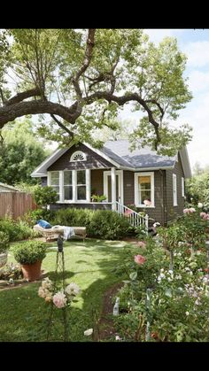 Ideas for house plans design exterior colors Small Cottages, Cabins And Cottages, Beach Cottages, Small Cottage Homes, Small Dream Homes, Cottages And Bungalows, Small Cabins, Small Country Homes, Modern Cabins
