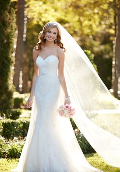 Strapless French Tulle Gathered Wedding Dress | Stella York 6341 | http://trib.al/7KCpohX