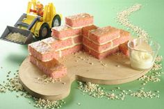 Bricks on the construction site recipe Construction Birthday, Eating Habits, Good Food, Food And Drink, Nutrition, Cheese, Make It Yourself, Baking, Sweet