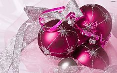 pink_christmas_ornaments_wallpaper_8c6dd-640x400.gif~original (640×400)