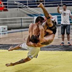 adcc | Tumblr Fighting Poses, Mma Fighting, Martial Arts Styles, Mixed Martial Arts, Judo, Fight Techniques, Human Poses Reference, Man Anatomy, Mma Boxing