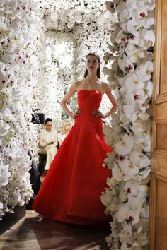 Simply stunning this evening gown by Raf Simons for Dior Haute Couture is all about shape. By wearing an evening gown like this it hi-lights the figure that you've worked so hard for and draws the attention back up to your face.