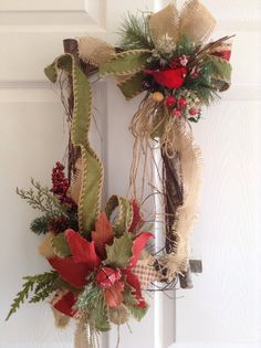 Best 12 Christmas Door Decoration – This is very unique and design for those you really appreciate a Christmas Vintage floral door arrangement… Is made in a wood log frame… Lots of details in matte colors. Has a poinsettia in 3 tones a bird in a nest with Christmas Swags, Christmas Door Decorations, Christmas Frames, Christmas Centerpieces, Diy Christmas Ornaments, Holiday Wreaths, Rustic Christmas, Vintage Christmas, Xmas Crafts