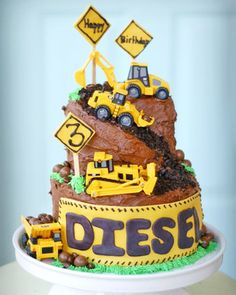 Cakespiration: 12 construction cakes they'll really dig Kids Construction Cake, Construction Birthday Parties, 3rd Birthday Cakes, Happy Birthday, Digger Birthday Cake, Birthday Ideas, Excavator Cake, Digger Cake, Truck Cakes