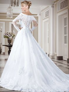 Vestidos de noiva - Coleção Callas (17) Costas Weeding Dress, Dream Wedding Dresses, Bridal Dresses, Wedding Gowns, Disney Princess Dresses, Bridal Looks, Beautiful Gowns, Pretty Dresses, Wedding Bride