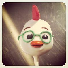 Chicken Little! #lilcutiepops #cakepops #chickenlittle #totallyseriouslycute #cuteasabutton #theskyisfalling #cakepopville #seriously