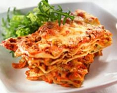 been looking for an easy lasagna recipe dinner-ideas the-best-recipes Lasagne Recipes, Pasta Recipes, Crockpot Recipes, Dinner Recipes, Dinner Ideas, Meal Ideas, Freezable Meals, Easy Meals, Vegetarian